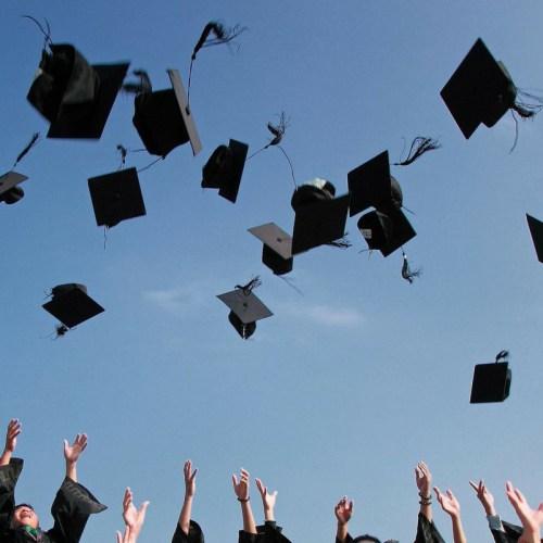 Congrats grads! Here are High School Graduation Hashtags #graduation #highschool #graduationparty #classof2018