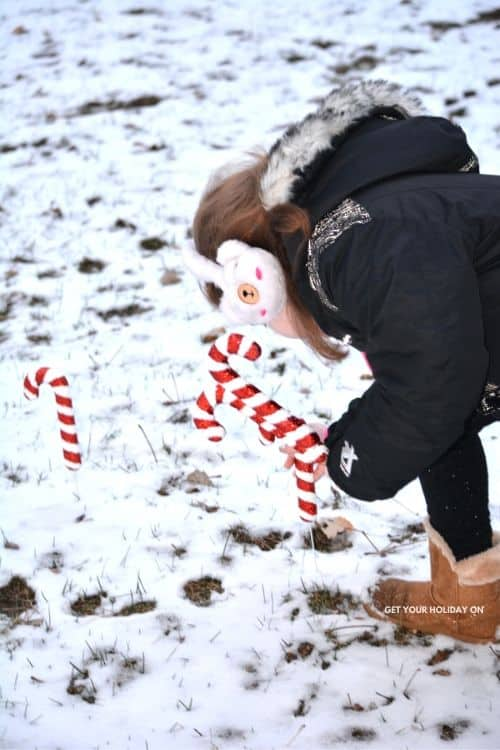 how to play a candy cane game!
