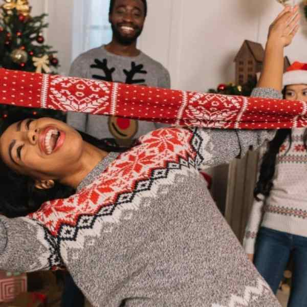 Holiday Christmas party games for kids or adults
