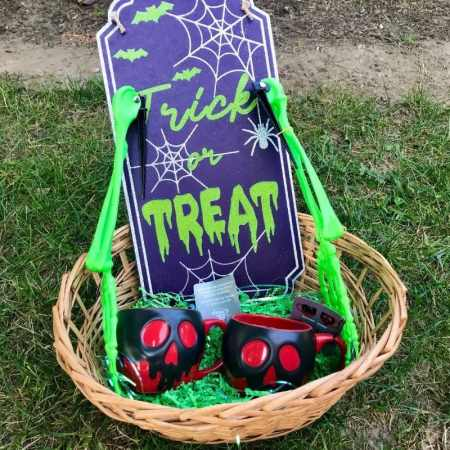boo basket ideas for adults and kids.