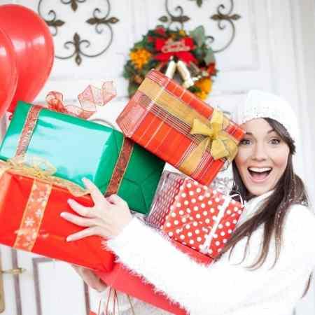 Shopping gift guide for family members.