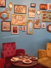 Mazi Plak Cafe duvarları