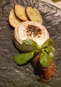 Fırında Camembert peyniri