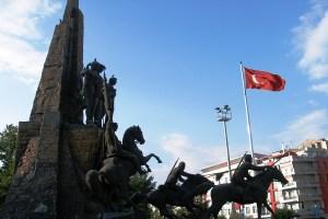 Atatürk Ve Kurtuluş Anıtı 02