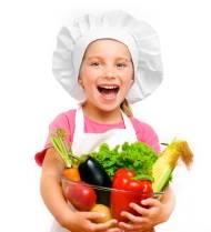 kind met schaal gezond eten