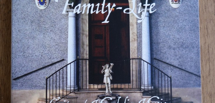 Famil-Life - Cover