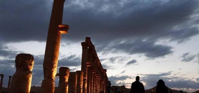 ISIS jihadists damaged a Roman monument in Palmyra