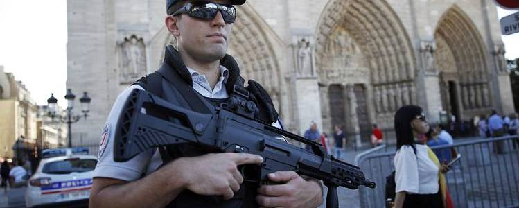Cell of French women guided by Isis behind failed Notre Dame attack