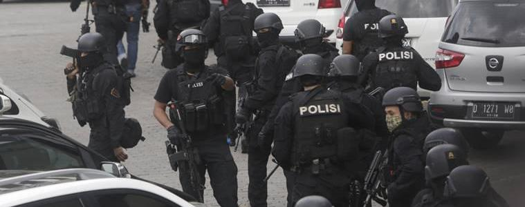 Indonesian policeman killed by suspected ISIS militants