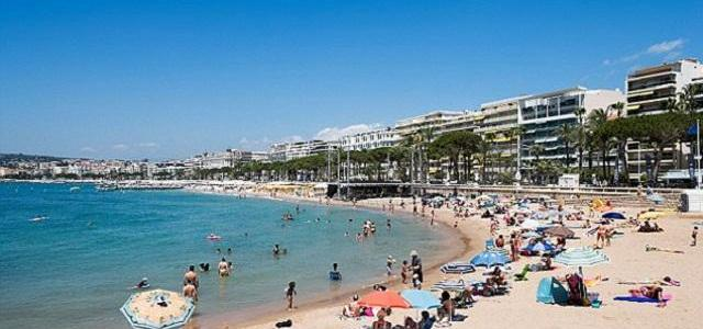 Soldiers to patrol French beaches to protect tourists from ISIS attacks as Cannes bans people from taking bags onto its beaches