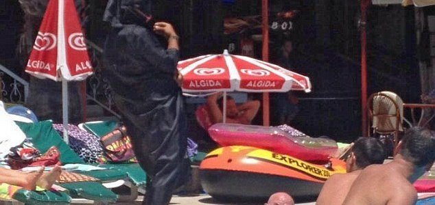 British tourists run for their lives at Turkish hotel as staff dress up as ISIS terrorists