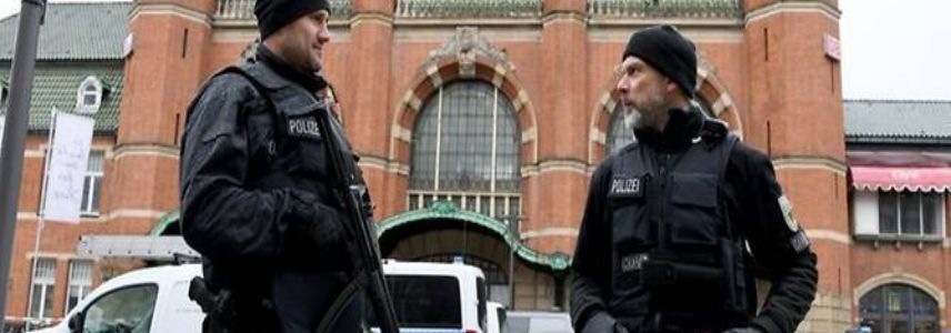German police raid Islamic organisations over suspected Hamas support