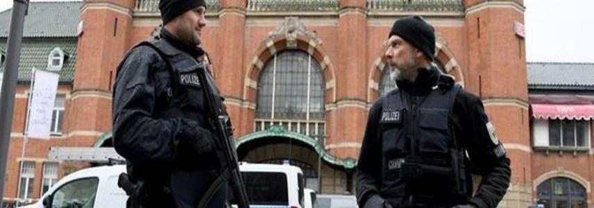 German police raid Islamic organisations over suspected Hamas support