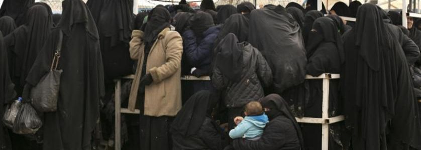 Hundreds of ISIS relatives leave Syria's al-Hol camp