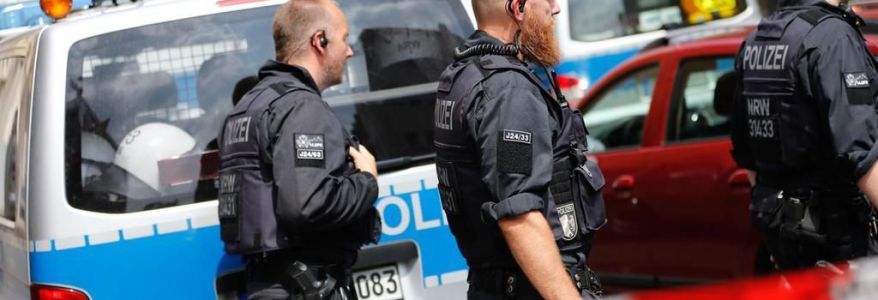 German police authorities raided homes of suspected accomplices to Vienna terrorist attacker