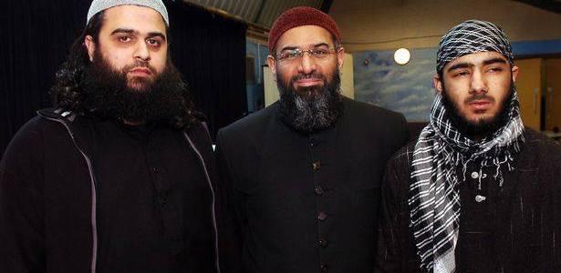 London Bridge terrorist Usman Khan pictured with Anjem Choudary as killer's poem emerges