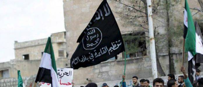 Pakistan arrested five al-Qaeda operatives in a night raid in Punjab province