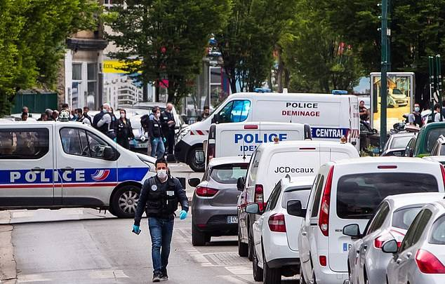 GFATF - LLL - Terror suspect who crushed two police motorcyclists with his BMW in Paris did that for the Islamic State 3