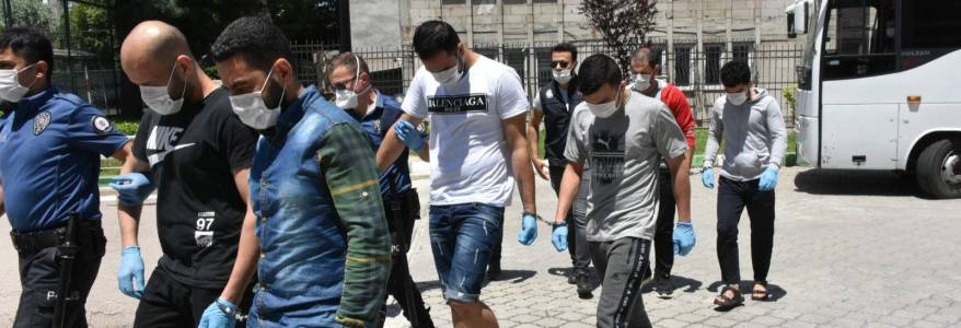 Turkish security forces arrested three Syrians linked to the Islamic State terrorist group