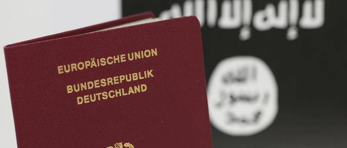 Suspected German Islamic State terrorists arrested after deportation from Turkey