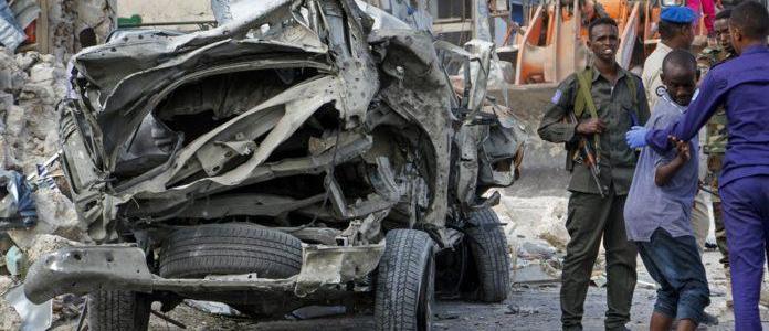 Roadside blast kills at least five people in the Somalian capital Mogadishu