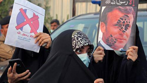 Islamists seize on French boycott to promote terrorist attacks
