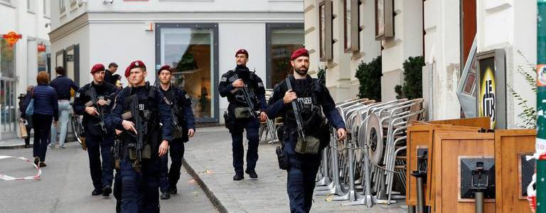 Austrian authorities closed mosque and religious association for radicalization of presumed Vienna attacker