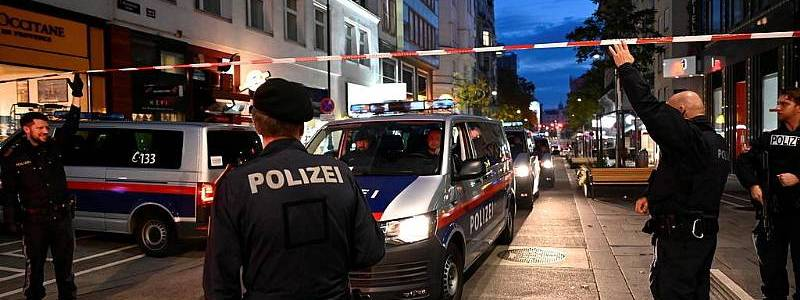 Austrian authorities raided and detained more than thirty suspected Islamic radicals