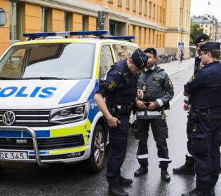 GFATF - LLL - At least eight people injured in suspected terrorist attack stabbing in Sweden
