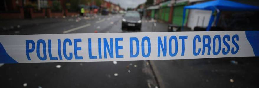 Man arrested in south-west London over suspected terrorist plot