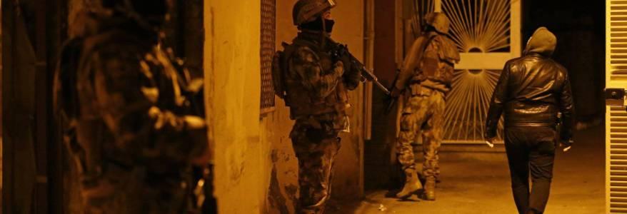 Turkish police detained fourteen Islamic State terrorists planning terror attacks