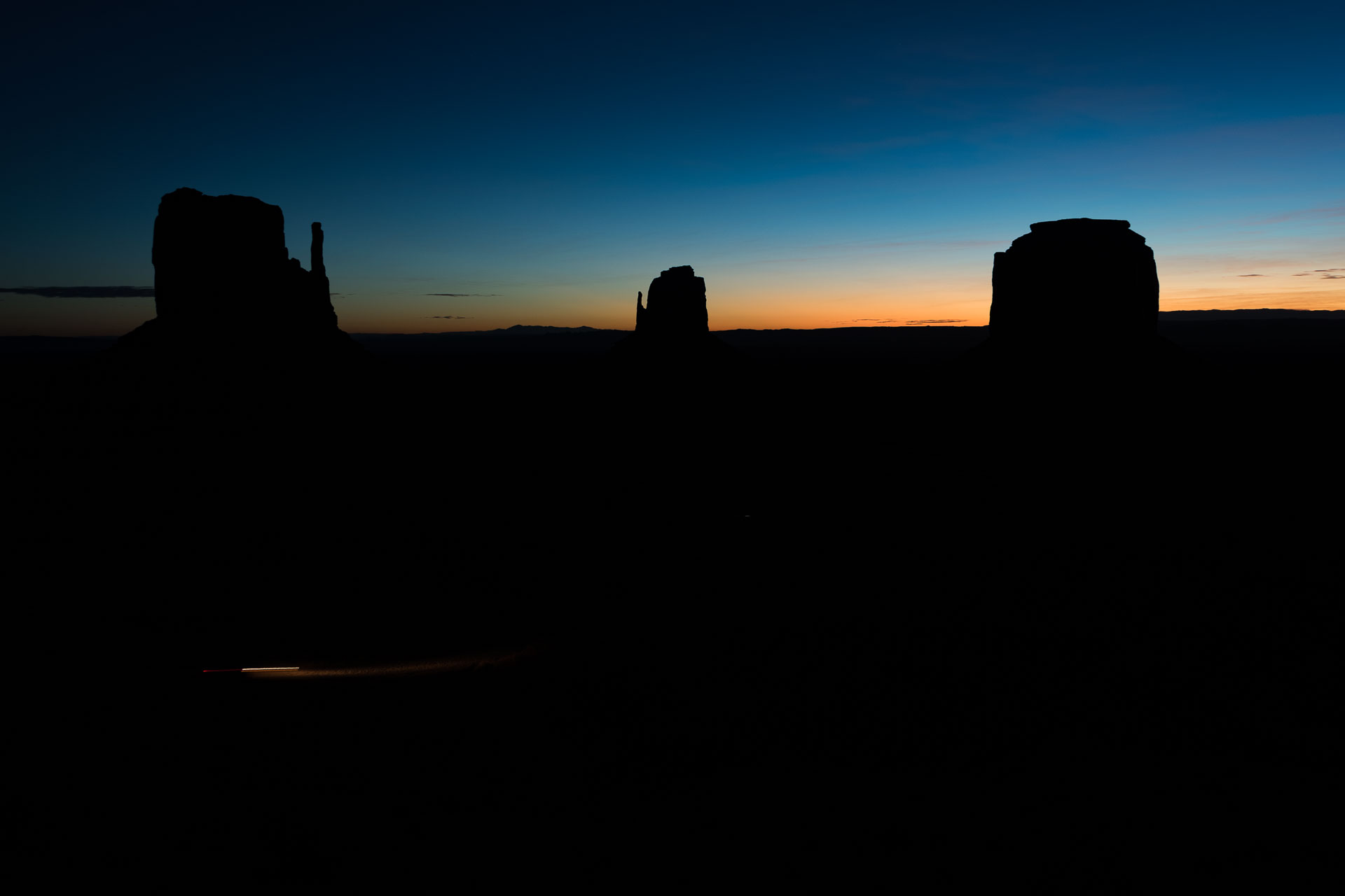 monument valley early sunrise