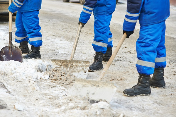 What to Know About Falls During Wet and Icy Weather