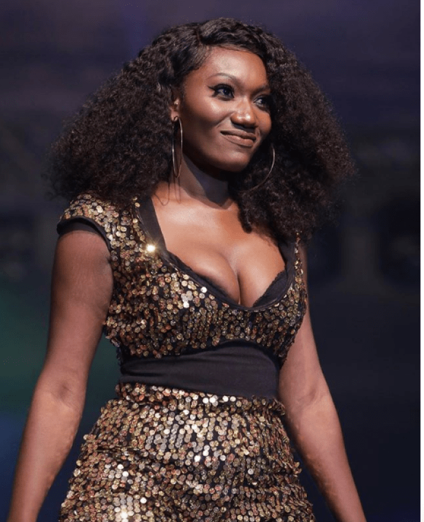 Wendy Shay Suffers From Wardrobe Malfunction