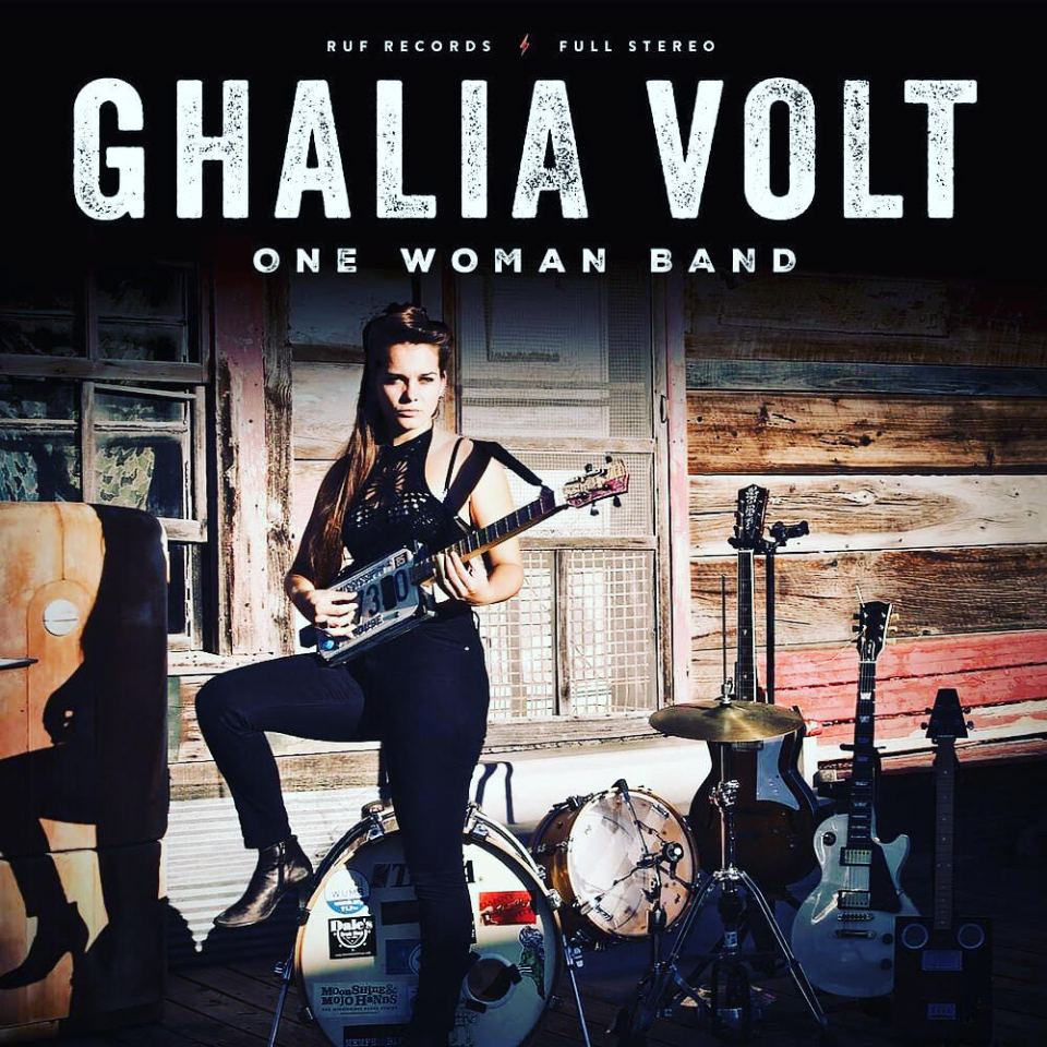 One women band