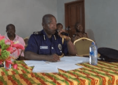 Vigilante groups are unlawful – Police commander
