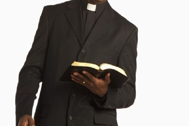 Shameless Pastor Begs Church Members To Bring $1,000 For 'Special Prayers' – Watch VIDEO