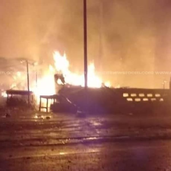 57577022 2449874538409677 7584463863035199488 n - VIDEO+PICTURES: Ghana Fire Service Battles A Huge Fire Outbreak At The Kumasi Central Market As Predicted By Eagle Prophet — Watch