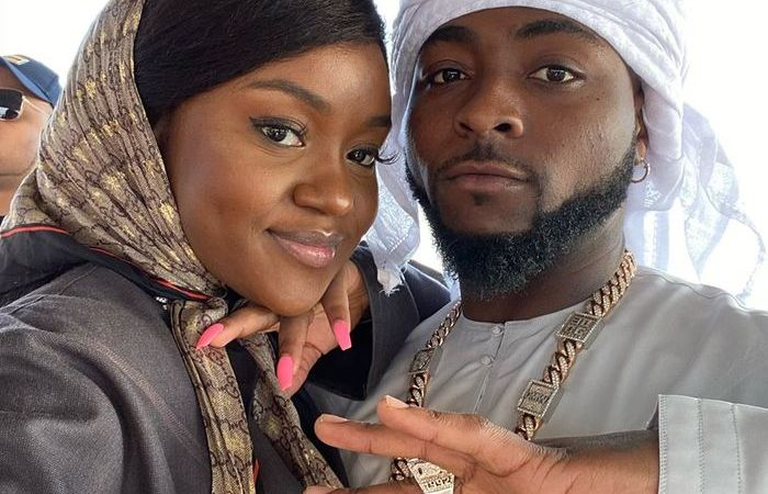 'Wed Chioma If You Claim You Love Her' – Blogger Dares Davido After Revealing He's Getting Chioma Pregnant Again