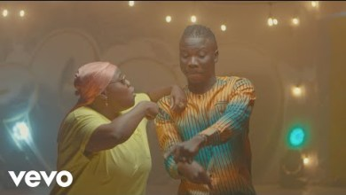 Photo of Stonebwoy Ft Teni – Ololo (Official Video)