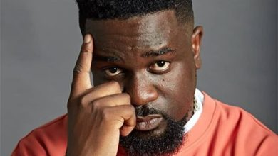 Photo of Sarkodie Ft Oxlade – Overload 2 Lyrics
