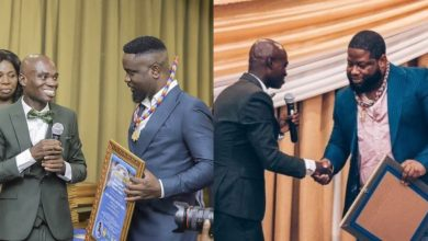 Photo of Dr UN – Sarkodie N D-Black never paid to be awarded