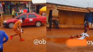 "Photo of Sarkodie's ""Hasta La Vista"" Song Makes Fan Dance In Muddy Water – Video"