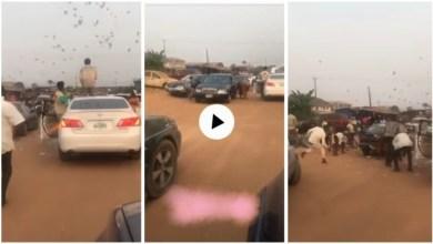 Alleged Yahoo Boys Trends As Dey Stop In Middle Of De Road 2 Throw Money In DE Air In Benin - Video