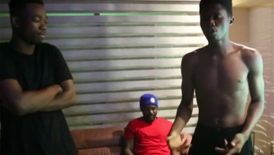 Photo of Video: Kwesi Arthur X R2Bees (Omar Sterling) freestyle