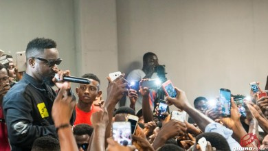 Photo of Video: Sarkodie breaks own record at 'Highest' album signing