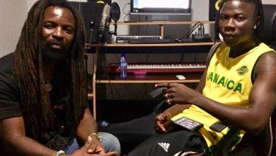 Rocky Dawuni is featuring Stonebwoy on his new album