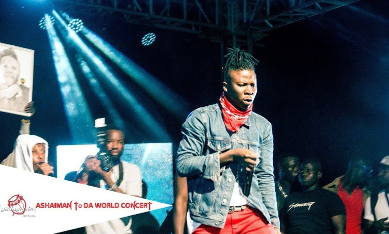 Photo of Video: Stonebwoy's performance at the Zylofon Ashaiman to the World Concert
