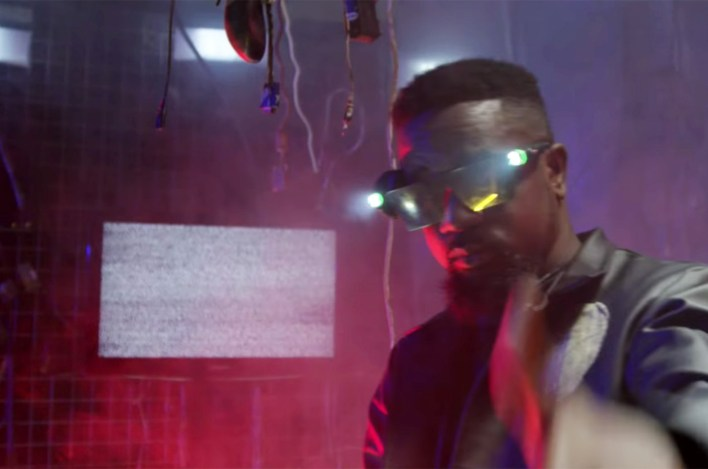Video Review: Yo Chale by Sena Dagadu feat. Sarkodie
