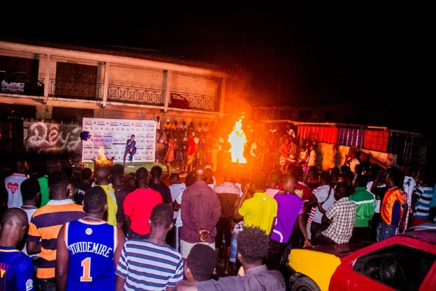Article Wan rocks fans at Play Africa BonFIRE Night